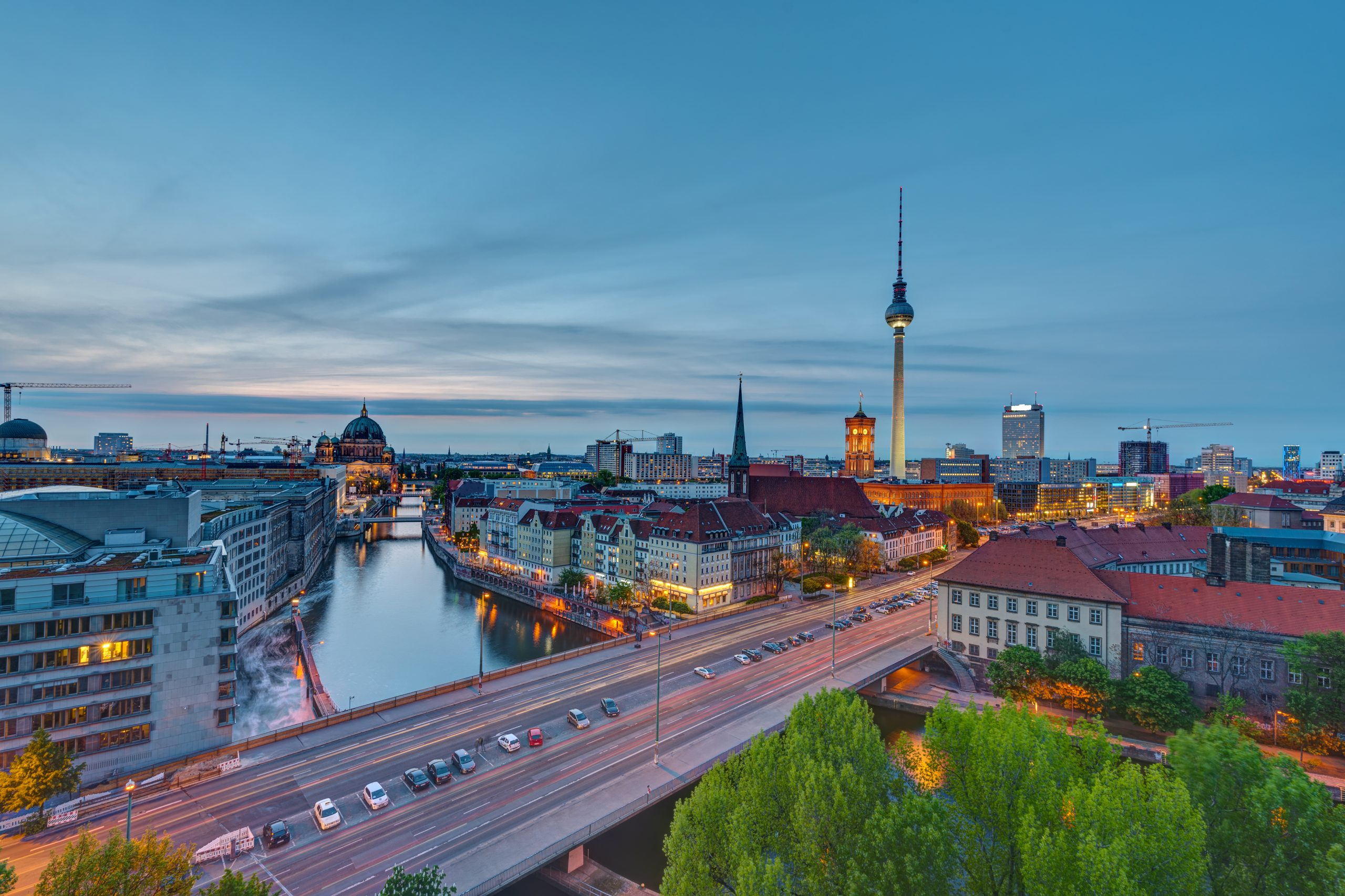 the-center-of-berlin-at-dusk-PTGLCZH