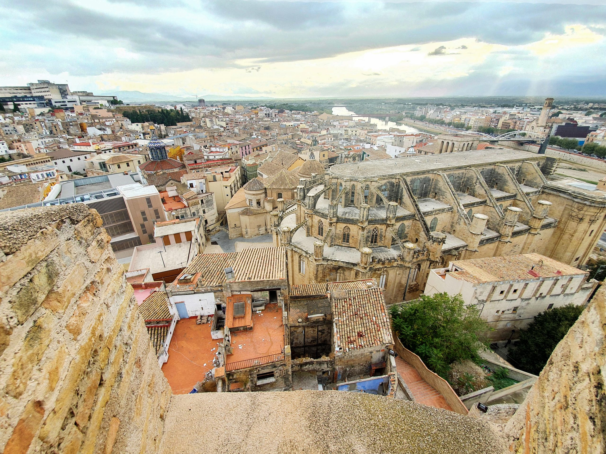 tortosa-historic-town-from-above-YG3RFHE